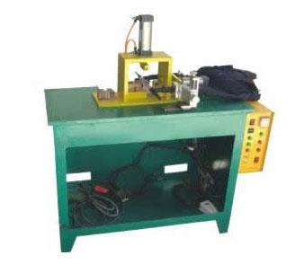 变压器自动焊接机