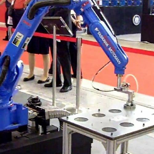 安川机器人搬运系统